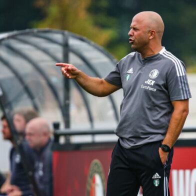 Arne Slot: 'Niet ingewikkeld om beter te spelen tegen FC Drita' (video)